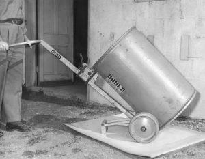 1940s Drum Handler